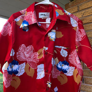 Tori Richard Mens Red Floral Hawaiian Button Shirt